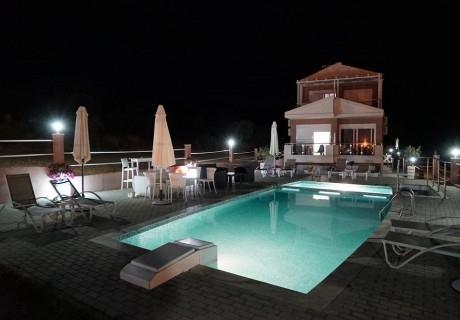 Лято 2019 на о. Тасос на 100м. от плажа! Нощувка за ДВАМА+ басейн и фитнес в хотел De Sol, Гърция!
