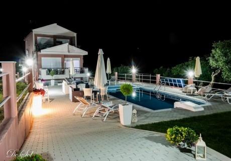 Лято 2019 на о. Тасос на 100м. от плажа! Нощувка за трима или четирима + басейн и фитнес в хотел De Sol, Гърция!