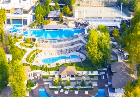 Нощувка на човек + МИНЕРАЛЕН басейн в семеен Хотел Ботаника***, Сандански