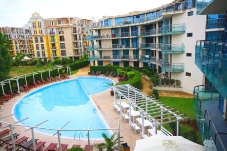 Нощувка на човек на база All Inclusive + басейн в Апарт хотел Синя Ривиера, Слънчев бряг. Дете до 10г. - БЕЗПЛАТНО!
