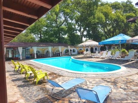 Лято до Лом! Нощувка на човек със закуска или закуска и вечеря + външен басейн от къща за гости Помодиана, с. Станево