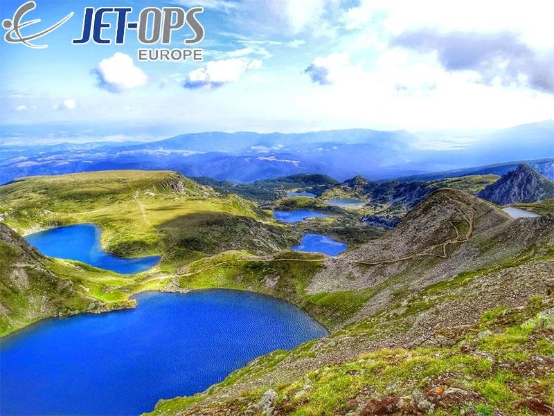 Панорамен полет над Седемте рилски езера, величествените върхове на Рила и Рилския манастир от Джет Опс Юръп!