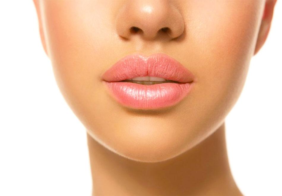 Поставяне на 1 мл. хиалуронов филър на устни от Станиели Естетични процедури и Масажи