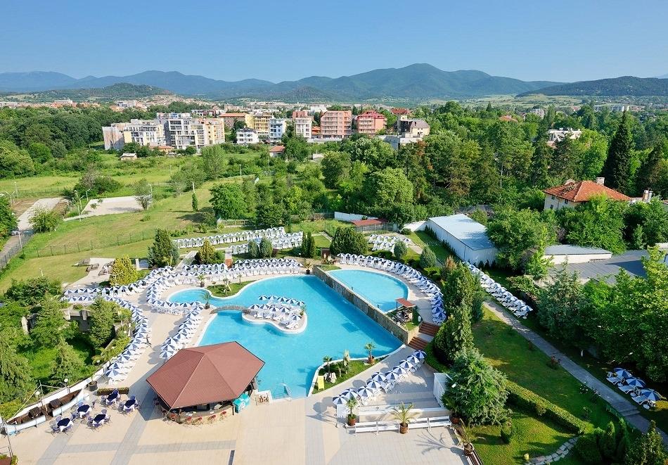 Нощувка за двама, трима или четирима със закуска и вечеря + минерални басейни и СПА от хотел Аугуста, Хисаря!