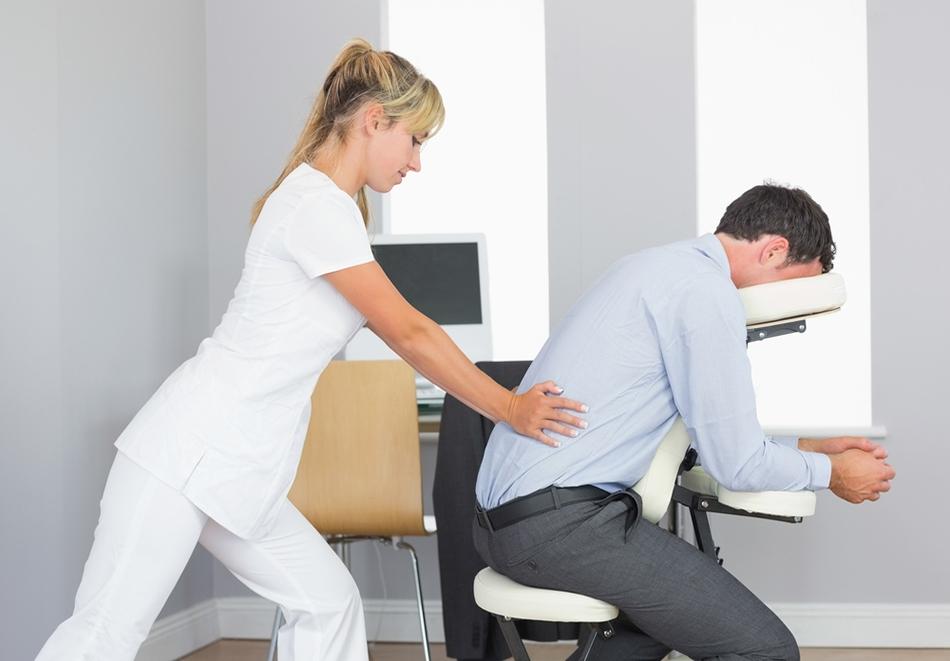 """Масаж в офиса! 5 масажа по 15 или 30 мин. от """"Време за релакс"""", София"""
