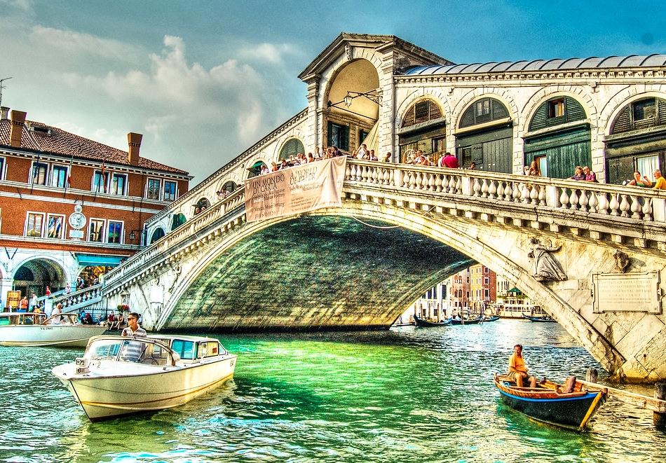 Екскурзия до Загреб, Верона, Венеция и шопинг в Милано! Транспорт + 3 нощувки на човек със закуски от Караджъ Турс