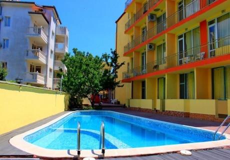 Нощувка в апартамент за 4, 5 или 6 човека в хотел Риор, Слънчев Бряг