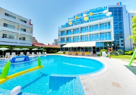 Нощувка на човек на  база All inclusive light + басейн, хотел Регата палас****, до Какао бийч, Слънчев бряг