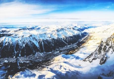 Ранни записвания за ски под вр. Монблан, Шамони, Франция! 7 нощувки на човек + басейн и ледена пързалка + ски пас по желание от ТО Го Лив
