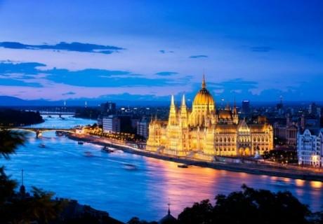 Екскурзия до Будапеща и Виена! Транспорт, 2 нощувки на човек със закуски и водач  от ТА БОЛГЕРИАН ХОЛИДЕЙС КИТЕН