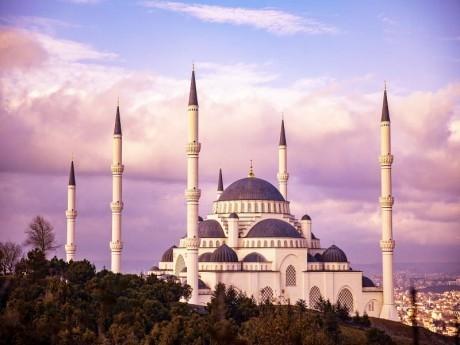Екскурзия до Истанбул! Транспорт, 3 нощувки на човек със закуски за 169 лв. от АБВ Травелс