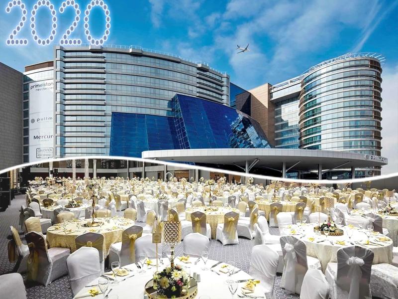 Нова година в Истанбул! 3 нощувки на човек, закуски, празнична вечеря и басейн в Pullman Istanbul Hotel & Convention Center 5* от ТА Далла Турс