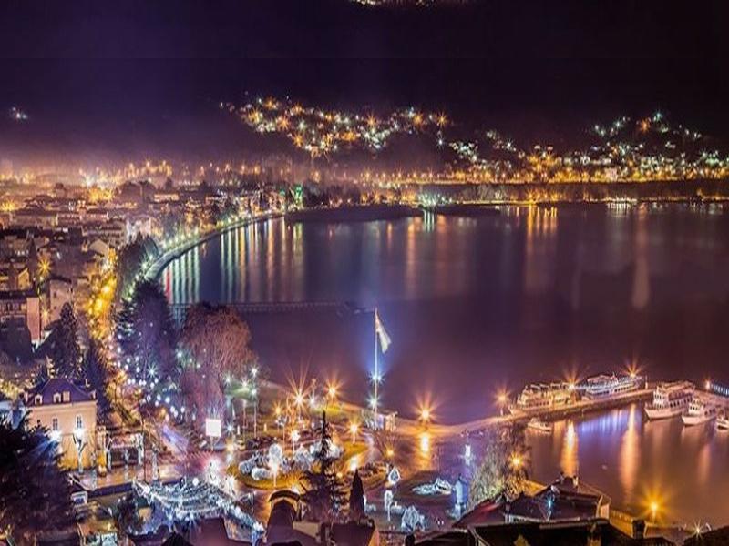 Нова година на Охридското езеро! Транспорт, 3 нощувки на човек + закуски, вечери, едната празнична от хотел Belvedere**** и Караджъ Турс
