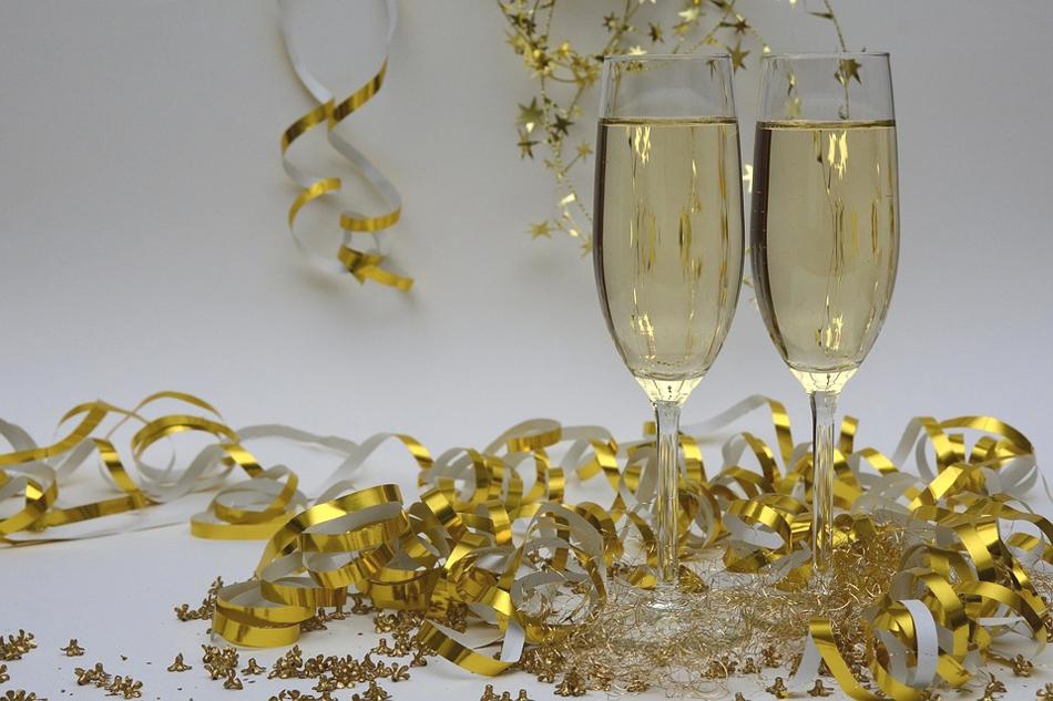 Нова Година във Велико Търново! 2 нощувки със закуски за двама или трима в хотел Елена