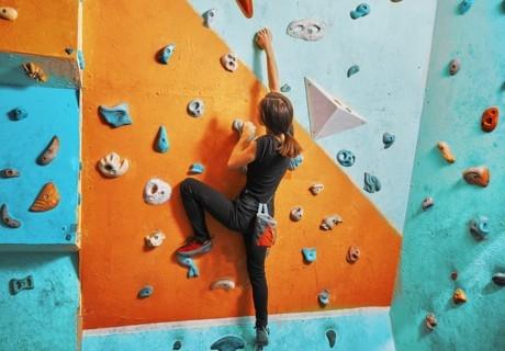 90 мин. урок по катерене на изкуствена стена с инструктор от СК Монтис, София