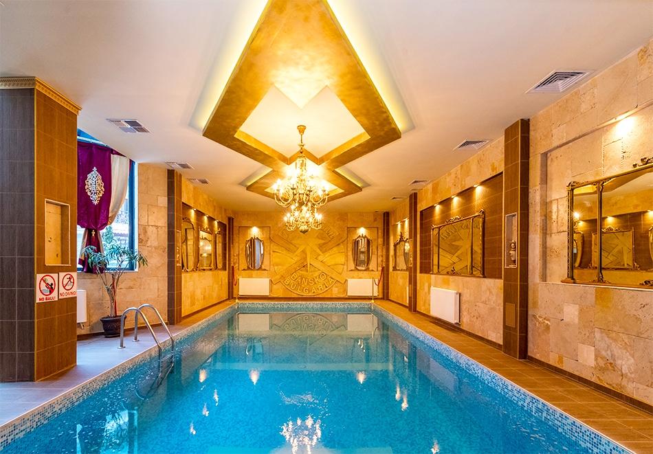 Нощувка на човек + изхранване по избор + басейн и сауна в Комплекс Поларис Ин****, Банско!