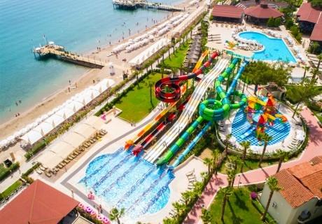 Ранни записвания за лято 2020 на 1-ва линия в Анталия, Турция! 7 нощувки на човек на база Ultra all Inclusive + 3 басейна, аквапарк, релакс пакет от хотел Crystal Flora Beach.