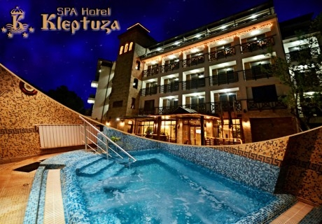 3 или 5 нощувки на човек със закуски + басйени с минерална вода, джакузи и релакс пакет в хотел Клептуза****, Велинград