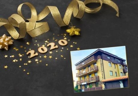Нова година в Банско! 2 или 3 нощувки на човек със закуски, вечери + басейн и релакс пакет в съседен хотел + доплащане за празничен куверт от Апартмент хаус Стейинн Бъндерица, Банско