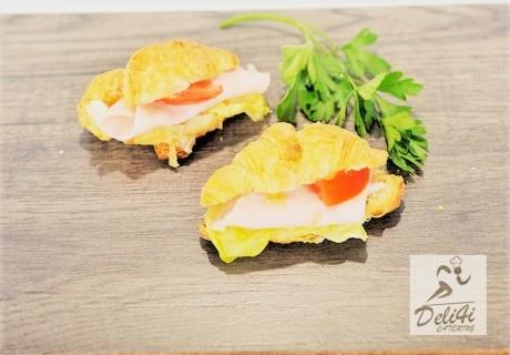 30 празнични парти сандвичи с френски кроаснчета + 30 парти кюфтенца  от Кулинарна работилница Деличи, София