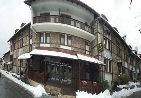 На ски в Банско през декември!  2 или 3 нощувка на човек със закуски в хотел Родина, Банско