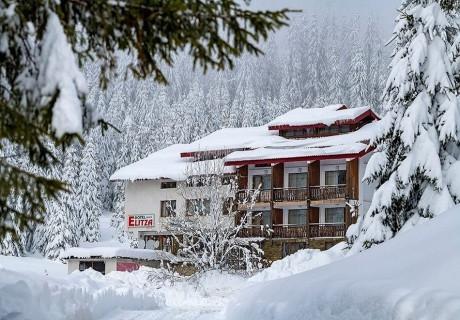 14-20 Декември: Нощувка на човек със закуска + сауна и джакузи в Хотел Елица, Пампорово