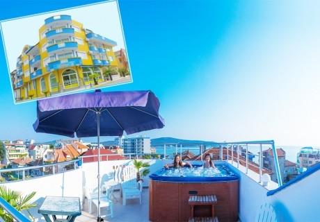 Лято в Приморско, на 50м. от плажа! Нощувка на човек със закуска + джакузи в семеен хотел Темида