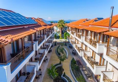 Ранни записвания за лято 2020 в Пефкохори, Касандра, Гърция! Нощувка на човек в Apanemia Apartments