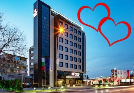 Свети Валентин в Пловдив! Нощувка на човек със закуска и романтична вечеря от хотел Бест Уестърн Премиер