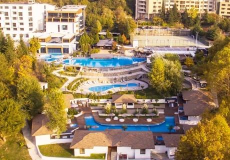 Майски празници в хотел Медите СПА Резорт*****, Сандански! 2 или 3 нощувки на човек със закуски и вечери + МИНЕРАЛЕН басейн и СПА пакет