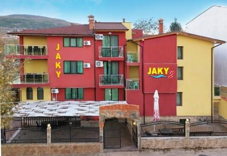 Юли и Август в Кранево! Нощувка за двама, трима или четирима със закуска и вечеря + 2 басейна и релакс център в хотел Жаки