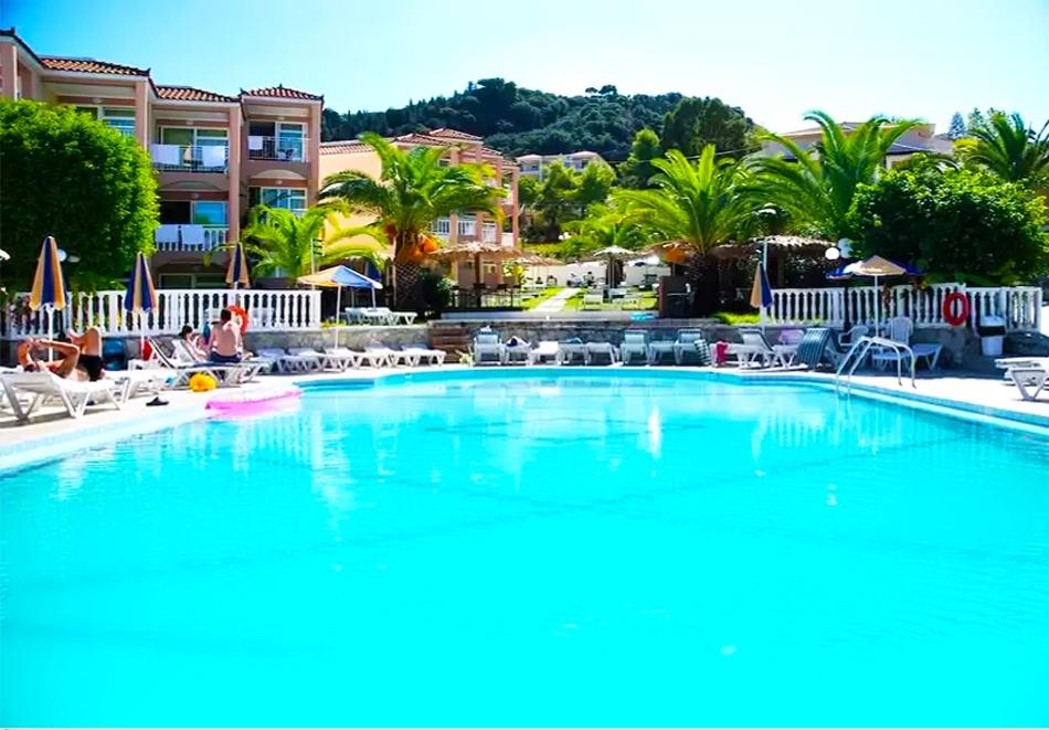 Ранни записвания за море на о. Закинтос, Гърция! Нощувка на човек на база All Inclusive + басейн в Commodore Hotel***. Дете до 12г. - БЕЗПЛАТНО