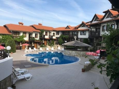Лято в Созопол! Нощувка за 4+3 човека + басейн, ресторант и още в къща Белла