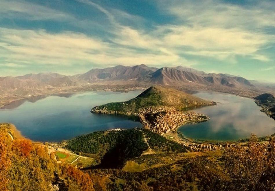 Великден в Гърция  - езерото Орестиада, Кастория и Корча! 3 нощувки на човек със закуски и  вечери, едната празнична + транспорт от  ТА Албатрос турс