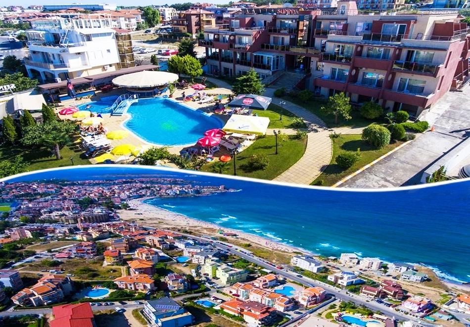 Късно лято в Созопол на 50м. от плажа! Нощувка със закуска + басейн в хотел Съни***