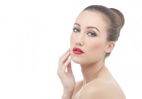 Диамантено дермабразио на лице, шия и деколте, ензимен пилинг, въвеждане на серум и алгинатна маска от Център Гарсия, Плевен