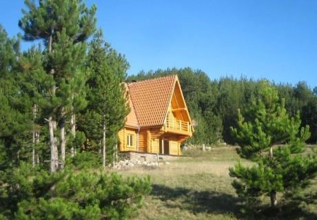 Нощувка за до 17 човека в къща Ламбиеви колиби в алпийски стил край Банско - с. Краище