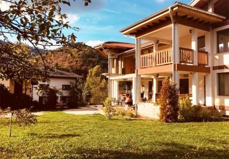 8 Декември в Троянски балкан. Две или повече нощувки със закуски в къща за до 20 човека + барбекю от къща за гости Почивка***, с. Черни осъм