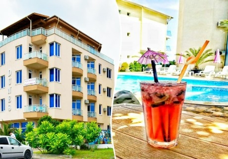 Лято 2020 на 1-ва линия в Приморско. Нощувка на човек със закуска* + басейн в Хотел Дюни 1