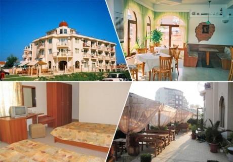 Нощувка на човек със закуска или закуска и вечеря + басейн в семеен хотел Маргарита, Кранево