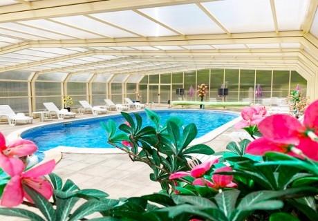 Нощувка на човек със закуска + басейн в Хотел Велиста, Вонеща вода