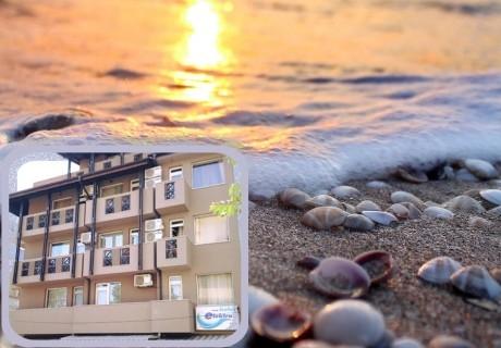 3+ нощувки на човек на 120 метра от плажа в семеен хотел Електра, Поморие