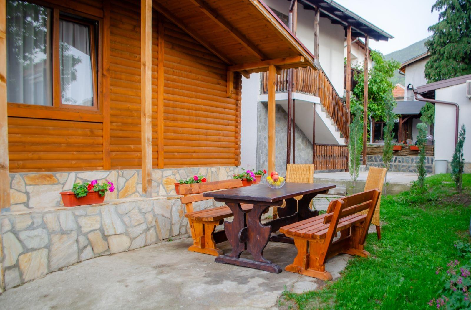 Нощувка за до 9 човека + механа в къща Forest Dream - Сапарева Баня