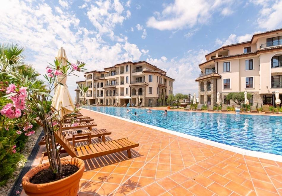 Интериорна фотография на апартаменти, заведения, хотели от фотограф Павлина Иванова, Бургас