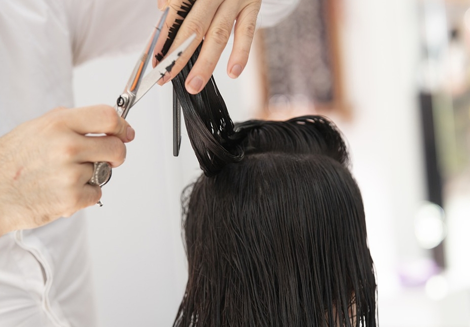 Нова прическа! Подстригване + сешоар в студио за красота Hair Box, София