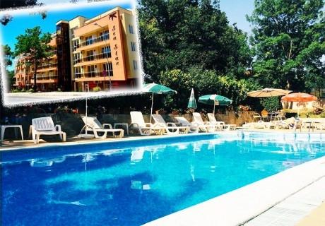 7 нощувки за 2-ма, 3-ма или 4-ма със закуски и вечери + басейн в хотел Сий Стар, Приморско