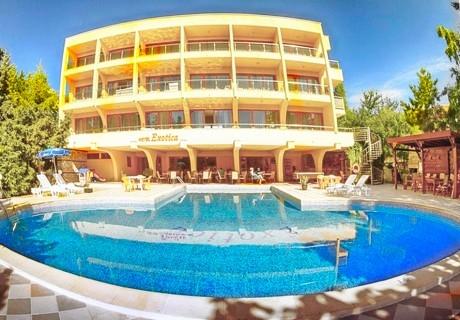 2, 3, 5 или 7 нощувки на човек със закуски и вечери + басейн в хотел Екзотика, Златни Пясъци. Дете до 12г. - БЕЗПЛАТНО