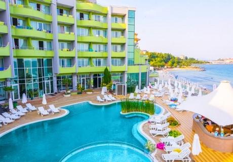 3, 5, 7 или 10 нощувки на база Ultra All Inclusive + басейн, шезлонг и чадър на плажа от МПМ хотел Арсена, на 1-ва линия в Несебър