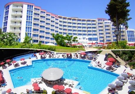 Нощувка на човек на база All inclusive + басейн в хотел Аква Азур****, Св. св. Константин и Елена + безплатен паркинг