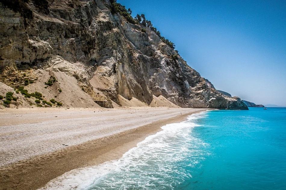 Лято на остров Лефкада, Гърция! 5 нощувки на човек със закуски + транспорт от ТА Далла Турс